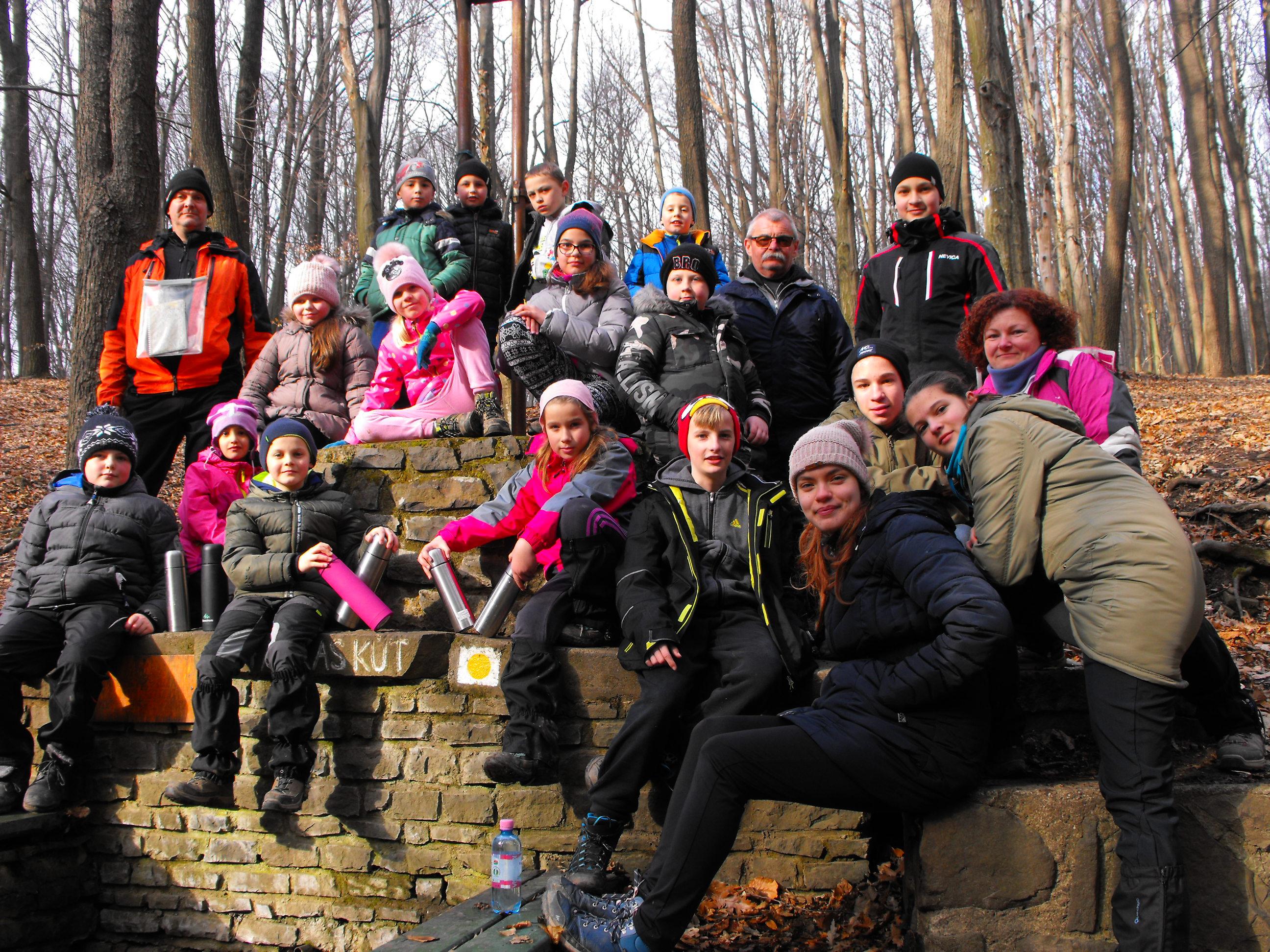 Jászdózsai Ifjúsági Csoport csoportképe